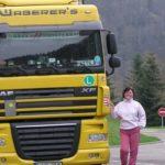 La historia de Mónika, conductora de camiones que trabaja a doble tripulación en Waberer´s