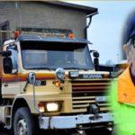 El camionero sueco que se jubiló después de trabajar durante 38 años con el mismo camión, un Scania 112