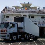 Los transportistas que viajen a Canarias deberán llevar una PCR para poder alojarse