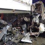 Conductora de 21 añosde unBMW con 2 chicas menores, se estrellan a 120 km/h contra un camión estacionado en las calles de Nuremberg