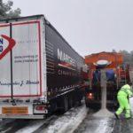 El GPS pierde en La Rioja a otros dos camiones, que acaban cruzados en el puerto de La Rasa