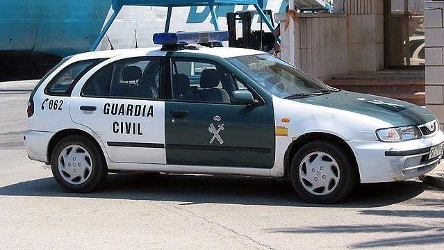 """Guardias civiles denuncian conducir auténticas """"tartanas"""" debido a una pésima gestión donde hay ni para folios"""