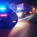 Guardia Civil auxilia a un camión articulado que ha quedado bloqueado en la N-121-A en Lantz