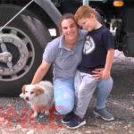 «Somos todos iguales», valoró camionera que viaja junto a su hijo y su perrito. Una historia de amor y maternidad