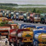 Los camioneros indios amenazan con huelga indefinida en solidaridad con los agricultores  por las leyes agrícolas