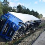 La camionera de 39 años que volcó el miércoles 30 de diciembre, resultó herida de gravedad.