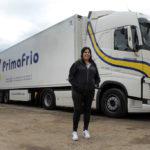 Nunca es tarde: A los 48 años, Cristina aprendió a conducir y ahora es camionera en Primafrio