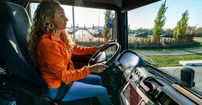 Camionera_Hayley