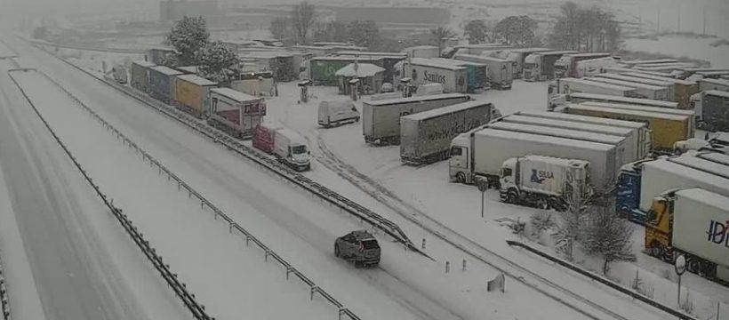 Más de 7.300 camiones bloqueados por la nieve en Cataluña, Castilla la Mancha, Aragón y la Comunidad Valenciana