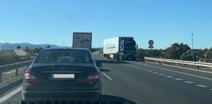Un camionero conduce varios kilómetros en sentido contrario en la A-7 entre Totana y Alhama
