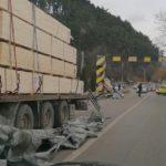 Los daños producidos por un conductor que ignoró el limitador de altura.