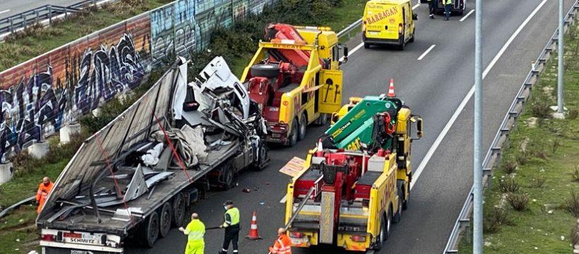 210215 Accidente camiones M50 Boadilla 3