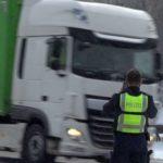 Caravanas en la Autobahn 45 a pesar de la prohibición: la policía está fotografiando a los conductores de camiones