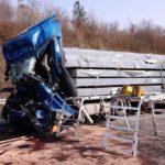 La policía alemana denunciará a 30 conductores por filmar un accidente mortal en la A8 Pforzheim