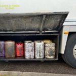 Detienen un camión con 21 garrafas de gasoil escondidas de procedencia desconocida