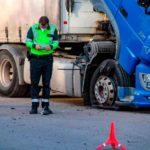 El camionero extremeño fallecido al estallar una rueda, tenía 48 años, deja un hijo de corta edad y fue desplazado más de 3 metros