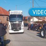 Un increíble convoy de camiones rinde homenaje a un camionero de 32 años. Deja esposa y dos hijas