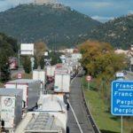 El cierre de las fronteras en Francia afecta a 20.000 transportistas españoles