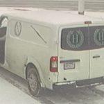 Ladrones roban un coche fúnebre con un muerto en St. Louis