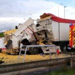 Un muerto en la colisión de 5 camiones en la cola de la frontera franco-belga por los controles covid