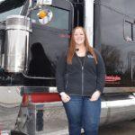 Jade Lamoureux (21) conduce camiones en Canadá desde que tenía 17 años