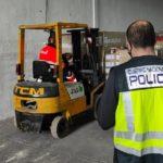 Trabaja 8 días en la empresa, roba un camión con chocolate valorado en 250.000 euros y lo vende por 1.200
