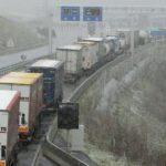 Vinci Autoroutes: estas  son las carreteras con restricciones de circulación por la nieve y el mal tiempo en Francia.