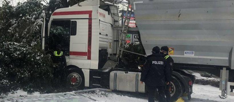 w1200 h664 x1796 y1347 Unfall Schnee Krefeld 3 d805e87654938a19