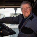 La historia de Angelo, un camionero de 79 años aun en activo: «Nunca dejaré de viajar»