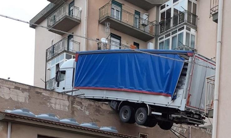 camion caccamo ansa