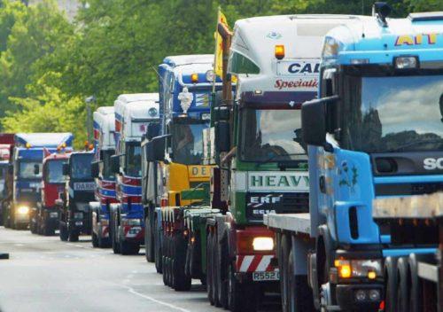 Uno de cada tres camiones y autobuses tiene el tacógrafo manipulado o no cumple las leyes en Europa