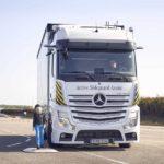Mercedes-Benz presenta Blind Spot Assist con función de frenado
