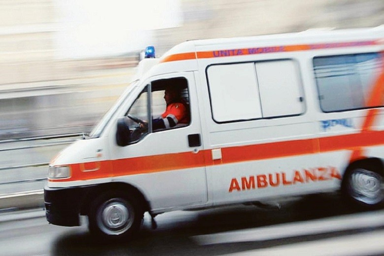 GN4 DAT 5224666.jpg manca l ambulanza in ospedale si va in lombardia