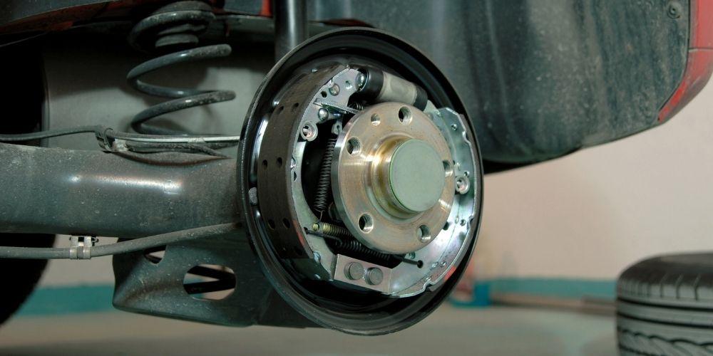 frenos de tambor del automovil
